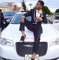 trajes de fiesta de oro negro esmoquin al por mayor-2019 Plus Size Shawl Lapel Black con adornos dorados Junior Prom Party Suit Formal Wedding Blazer Tuxedos Dos piezas Trajes SU0024