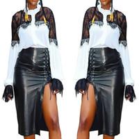 sıcak seksi gece eteği toptan satış-Yeni Seksi Siyah Deri Kadın Etekler 2019 Sıcak Dantel Up Tasarım Yan Diz Altında bölünmüş Yüksek Bel Akıllı Etek Elbise Night Out Kulübü Gerçek Görüntü