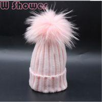 rosa pompom winter beanie großhandel-Weißer rosa bunter Pelz-Pompon-Hut Echte färbende Waschbär-Pelz-Pom Pom Kinderwinter-Hut-Kappen-Pompon-Ball-Baby-Kind-Bobble Beanies