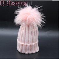 gorro de pompón rosa de invierno al por mayor-White Pink Colorful Fur Pompom Hat Real teñido de piel de mapache Pom Pom Niños Sombrero de invierno Cap Pompon Ball Baby Kids Bobble Gorros