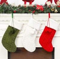 ingrosso alberi ornamenti-Calza di lana a maglia Calza di natale Ornamento dell'albero di Natale Sacchetto regalo di caramelle di Babbo Natale Calze lavorate a maglia Calze a elica Decorazioni per ciondoli per feste GGA2503
