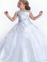 sevimli giyinmiş toptan satış-2019 Fildişi Sevimli 3D Kelebek Çiçek Aplikler Çiçek Kız Elbise Cap Kollu A Hattı Tül Uzun Küçük Kızlar Pageant elbise Resmi Giyer