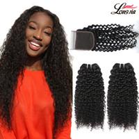 bakire işlenmemiş kıvırcık saç toptan satış-Brezilyalı Sapıkça Kıvırcık saç Demetleri ile 4x4 Dantel Kapatma Brezilyalı Virgin İnsan Saç demetleri Ile Kapatma İşlenmemiş kıvırcık Saç Uzatma