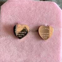bayan takılar toptan satış-2019 Toptan altın gümüş gül altın Paslanmaz Çelik deluxe Marka Kalp Saplama Küpe Kadınlar Lady Moda Charm Küpe Düğün Takı