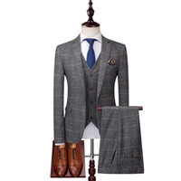 esmoquin gris ajustado al por mayor-2019 Trajes para hombre grises Trajes de cuadros de lana de tweed Trajes de novio de ajuste regular Esmoquin de boda a cuadros a medida Vestido formal