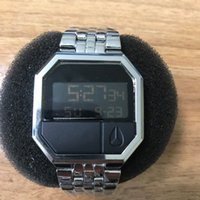 ayı saatleri toptan satış-Sıcak Satış 2019 Yeni Tasarım Erkekler NlXON İzle Moda Lüks Kadınlar LED Elektronik Ayı Saatler