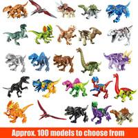juguete dino al por mayor-Dinos Toy 12CM Dinosaurio para armar bloques de construcción con mandíbulas móviles, incluyendo T Rex, Triceratops, Velociraptor, etc. Dinosaur Toy
