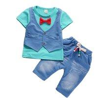 erkek gündelik gömlek giymek toptan satış-Tişört + şort 2 adet çocuk oğlan gündelik seti yelek Summer aşınma çocuk \ 'ın giyim yeni çocuk sahte iki papyon