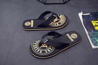 flip-flops de tira de pano venda por atacado-Sapatos de praia de verão dos homens com sandálias cinta de pano do lado de fora as sandálias ao ar livre legal sandálias fundo macio clip-on anti-slip flip-flops