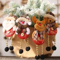 image de tissu achat en gros de-Pendentif Creative carreaux Tissu en trois dimensions Tailoring Vivid image bonhomme de neige de Noël Ours Forme Nouvel an Décoration