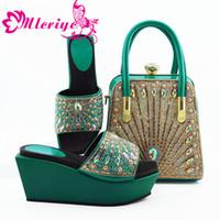 zapatos purpurina al por mayor-Nuevos zapatos y bolsos africanos en color verde azulado de color verde azulado que combinan con el conjunto de bolsos Conjunto de zapatos y bolsos nigerianos a juego