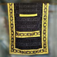 33642044bb3d Toalhas de banho de luxo designer marca impressão marca toalha de praia  toalha de praia e toalha de banho 3 peça set 100% algodão engrossado Egito  chegam ...