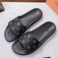 sandalias de mejor diseñador al por mayor-Zapatillas Sandalias Diapositivas Mejor calidad Sandalias Zapatos de diseño Zapatillas Huaraches Chancletas Chanclas para hombre / mujer Tamaño: 35-45 Con caja a113