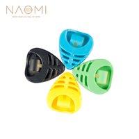 púas plásticas al por mayor-NAOMI 4 UNIDS Guitar Picks Holder Plectrum Holder Portable Plastic Heart Shape Accesorios de Guitarra Accesorios Nuevo Color Aleatorio