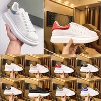 sapatos de couro casual de camurça venda por atacado-Top Sapatos De Grife De Luxo Das Mulheres Dos Homens formadores Sapatos de Plataforma de Couro Branco Plana Casual Sapatos de Festa de Casamento Camurça Tênis De Esportes