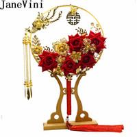 kırmızı çiçek broş toptan satış-JaneVini Benzersiz Fan Tipi Wdding Buketleri Lüks Çin Kırmızı Çiçekler Altın Çiçek Gelin Sap Fanlar Püskül Gelin Broş Flores