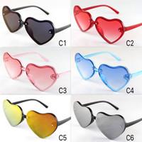 çocuklar kalp güneş gözlüğü toptan satış-2019 Yeni Varış Çocuklar Güneş Gözlüğü Sevimli Renkli Kalpler Çerçeve Gözlük Çocuk Boyutu Güzel Bebek Güneş Gözlükleri UV400 Toptan