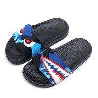 bebek hamamları toptan satış-Moda Köpekbalığı Çocuk Terlik Boys için Yaz Sandalet Çocuk Flip Flop Ev Banyo Ayakkabıları Bebek Rahat kaymaz Düz Plaj ayakkabı