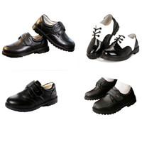 sapatos de patentes de meninos venda por atacado-Crianças Menino Sapatos De Couro Gancho Cinta Meninos Sapatos De Couro De Patente Carta Impresso Cerimônia Peform Sapatos Partido Casual Calçado 4-14 T