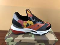 новые популярные кроссовки оптовых-Новый популярный дизайнер спортивная обувь женщины мужчины высокое качество мода камуфляж сетка резиновая подошва роскошные кроссовки с оригинальной коробке