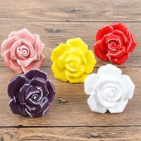 flores rosas de ceramica al por mayor-5 unids / set Cerámica Rosas forma de flor manijas para muebles perilla de la puerta gabinetes perillas y manijas cajón cajón tire de la manija