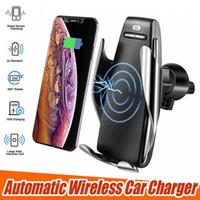 iphone araba kelepçesi toptan satış-S5 kablosuz araç şarj otomatik sıkma iphone android için hava firar telefon tutucu ile 360 derece rotasyon 10 w hızlı şarj kutusu