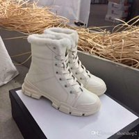 botas de mujer al por mayor-Nice Latest Luxury Women Designer Boots Martin Desert Boot Zapatos de moda Botines de cuero reales Tamaño 25-50 Zapatos de invierno