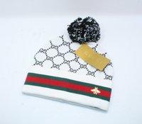 abelha de malha venda por atacado-Lã Quente Cap Lady Bee Knit Hat Inverno Hat Europeia Styles Cap Quente e à prova de vento de Moda de Nova Anti-inverno Cap FA3218