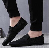 bequeme sexy schuhe weiß großhandel-schwarze Männer Sneaker shonorabl Männer Schuhe im Frühjahr 2019 neue Müßiggänger flach Sexy bequeme weiße Wanderschuhe Zuversichtlich