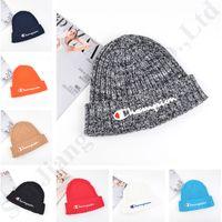renkli nakışlar toptan satış-CHAMP Renkli Beanie Örgü Şapka Sonbahar Kış Sıcak Kafatası Erkekler Kadınlar için Caps Şampiyonu Nakış Mektup Açık Kayak Kap Tığ Şapka C81906