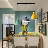 lámparas de mesa para habitaciones de hotel. al por mayor-Conjunto de 3 luces de lámpara de mesa de comedor Macarrón Colorido LED Lámpara colgante moderna Lámpara colgante para cocina Isla Iluminación de sala de techo