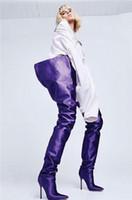 ingrosso vestiti lunghi da rihanna-Stivali lunghi in raso a vita alta da donna alla moda. Rihanna. Indossa scarpe da punta