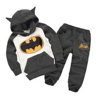 trainingsanzug bestellen großhandel-Super Kinder Anzug Kleidung Hoodies + Pants / Anzug Batman Kostüm Kinder Trainingsanzug Winter verdicken Mischungsauftrag Dropship