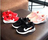 children s sports shoes size al por mayor-Envío gratis Otoño 2019 Bebé Primeros Caminantes calzado deportivo para niños zapatos de malla niño niña zapatos para correr, tamaño 21-30