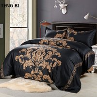 fronhas king size pretas venda por atacado-2017 New American Size Bedding Set of Products including Quilt and Pillowcase King Size Black Red White Free Shipping T200422