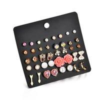 eski kalp kronu toptan satış-20 Pairs / kart Vintage Küçük Saplama Küpe Seti Mix Kadınlar Için Taç Yıldız Çiçek Kalp Kelebek Saplama Setleri E2858
