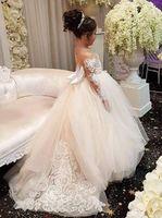 mädchen vintage brautjungfer kleider großhandel-Elegante Kleider für Kinder Langarm Blumenmädchen Kleider für Hochzeit Junior Brautjungfer Vintage Kinder Abend Party Kleid 79