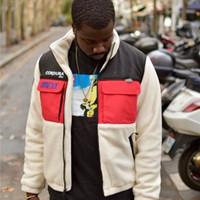 jaqueta de moda de rua venda por atacado-18FW Expedição Velo Casaco Retro High Street Moda Quente Confortável Homens E Mulheres Casaco Casal HFSSJK152