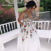 White 2019 A-Line Prom Dresses Deep V-Neck Sleeveless Appliques Lace Sexy Backless Formal Evening Wear Party Ball Gown Maxi Dresses