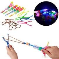 ingrosso fantoccio di natale-Vendita calda di alta qualità moda LED Light Slingshot Flying Arrow Giocattoli Catapulta brillanti giocattoli per bambini all'aperto del ragazzo regali di Natale