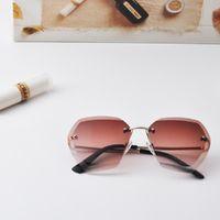 lila sonnenbrille kinder großhandel-Fashion Retro-Stil wild no border gelb blau lila rosa grau braun unregelmäßige Form Kindersonnenbrille