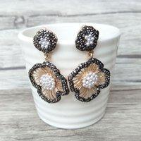 kristall pflastern perlen ohrringe großhandel-Mode Blume Form weiße Perlen Ohrringe gepflasterten Strass Kristall Charms Ohrringe Schmuck für Frauen ER624