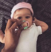 coroas de menino recém-nascido venda por atacado-Recém-nascidos Personalizado Bling Rosa coroa Strass Chupeta Cadeia Clipe Presente para Babyshower Batizado Menino / Menina Princesa Do Príncipe