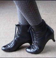 frauen schuhe oberschenkel hohe stiefel groihandel-Frauen Stiefel Oberschenkel hohe Martin Boots Lace-Up Australien Winter-Ankle Booties Designer Schuhe Mode Luxus Goblet High Heels mit Box