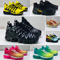 sneaker boy weiß großhandel-Nike Air Max Tn plus 2018 Chaussures Air Kids Tn Plus Laufschuhe Infant große Jungen Mädchen Camo Schwarz Weiß Sport Turnschuhe Run plus TN Maxes Designer Schuhe