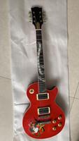 capas de serpentes vermelhas venda por atacado-Custom Red slash Guitarra com Guitarra caso ABR-1 Ponte Abalone Cobra Inlay fretboard Vermelho Cobra Chama Top Slash Guitarra Elétrica