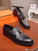 Wholesale 2020Hermers Slip on Casual Doug Shoes Floral Comfort Flats Business Leather Outdoor Loafers Julee Leather Shoes Black Leather With Box