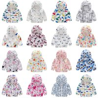 Wholesale kids girls jacket design online - Kids Clothes Printed Baby Girls Sunscreen Coats Boys Hooded Jackets Breathable Children Outwears Sun Protection Clothing Designs DHW2955