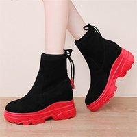 plantillas negras de las mujeres al por mayor-Los zapatos de plataforma otoño Chunky rojos de invierno Botas de mujer Flock tobillo Botas de nieve caliente Negro con cordones de las mujeres de la plantilla de la nieve Botas 1582w