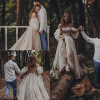 vestido de noiva com mangas longas venda por atacado-Princesa gótico boêmio vestido de noiva sexy fora do ombro manga puff puffy vestidos de noiva longo trem rústico país vestidos de casamento hippie 2015